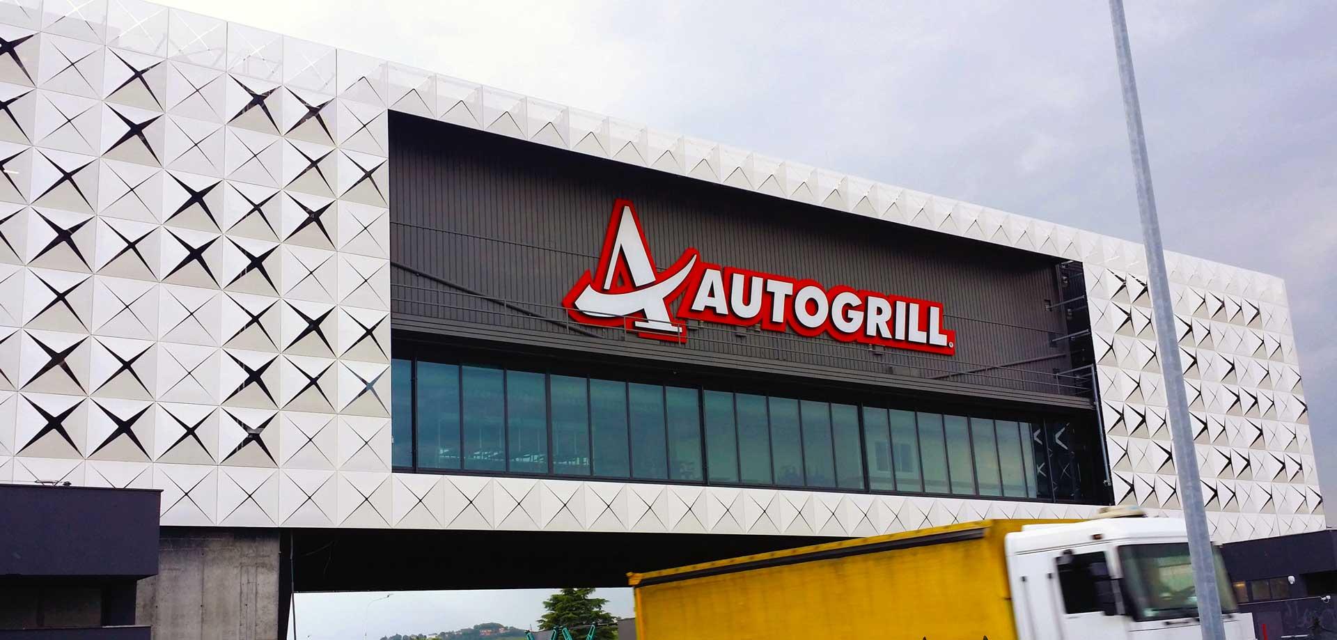 Rivestimento esterno in alluminio, rivestimento facciata, rivestimento metallico, rivestimento metallico di facciata