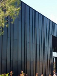 Rivestimento facciate doppia aggraffatura, rivestimento metallico di facciata, zinco titanio, rivestimento in metallo